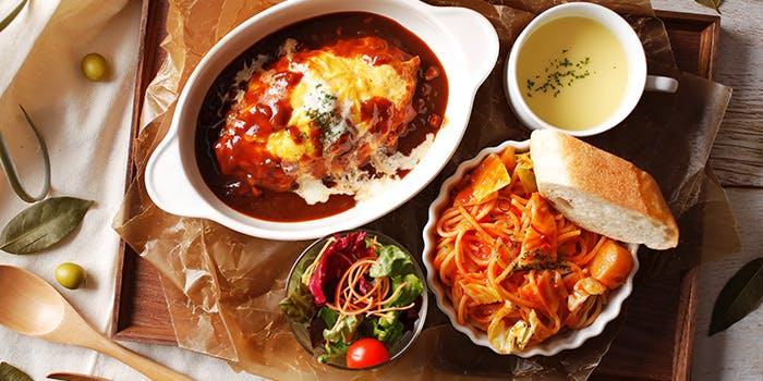 HARBOR CAFE ALL DAY DINING/ホテル クラウンパレス 神戸