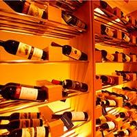 常時約300種取り揃うワインと料理の、溜め息の出るようなマリアージュ