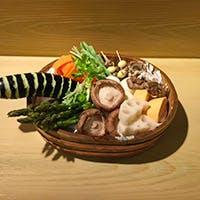 1913年の創業の老舗「茂竹」の天ぷらに舌鼓を打つ