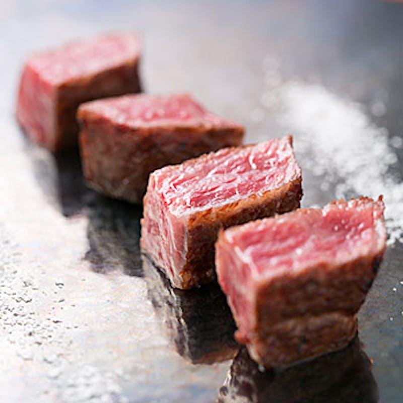 【本日の昼餐】Kuma3のパレット、季節のサラダ、メインの特撰黒毛和牛など全10品