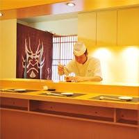 銀座・みゆき通りにあるカウンターと個室を完備した江戸前寿司店