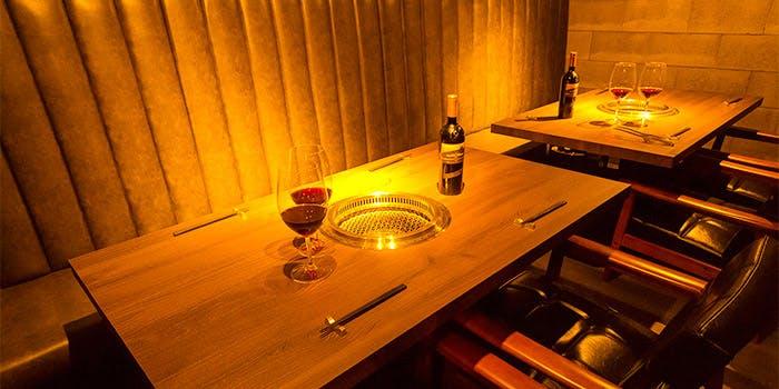 記念日におすすめのレストラン・肉牛寿司×しゃぶ焼肉2+9(にたすきゅう)の写真1