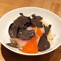 ワインと日本酒と共鳴し合い旬を彩る日本料理 その磨き抜かれた熟練の技に感銘