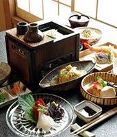 華やかに、繊細に、四季薫る京料理の数々を