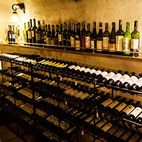 お肉屋さんのトラットリアで楽しむこだわりワイン