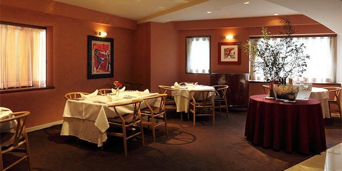 千駄ヶ谷 ランチ おすすめ 和食 イタリアン 肉料理 Convivio 店内 雰囲気
