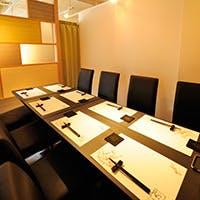 三宮のスタイリッシュな空間 個室や半個室も完備