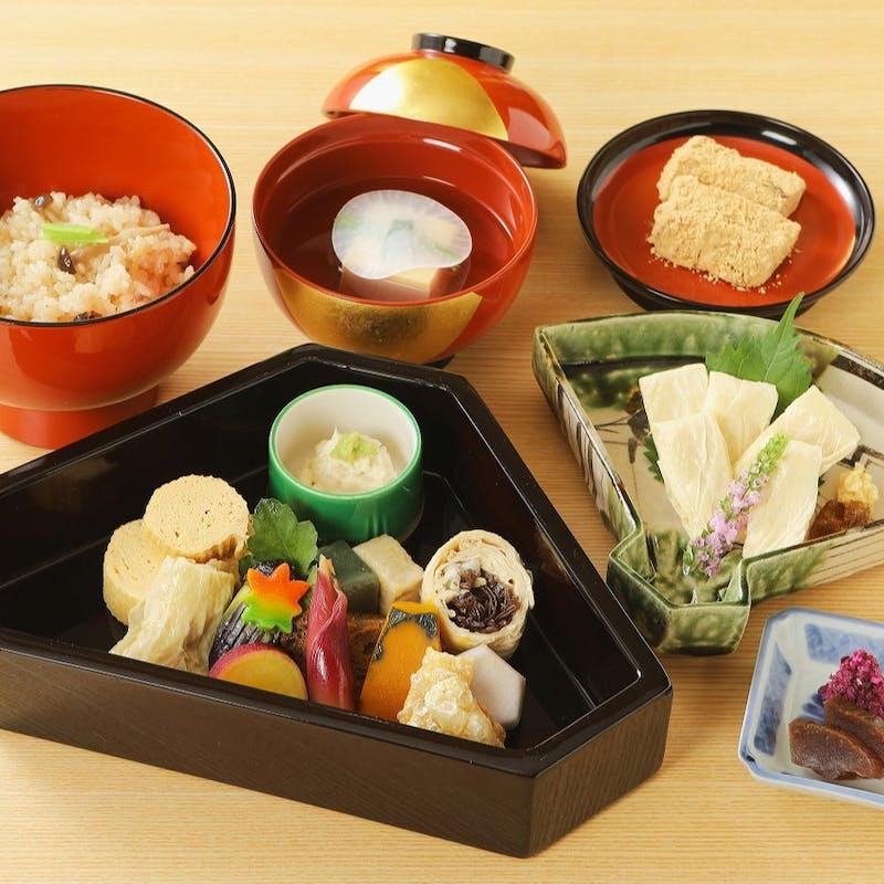 【ゆば料理】ゆばのお造り、東寺ゆばなど全5品