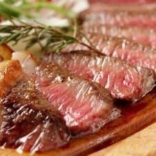 炭火で焼き上げる豪快肉料理