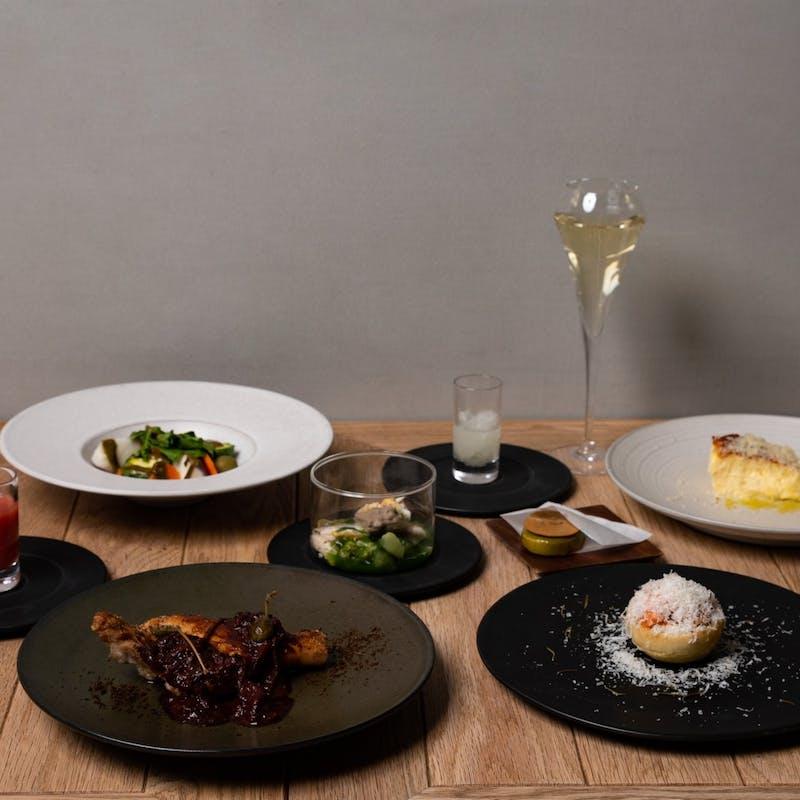 【LASコース】フォアグラ、前菜2品、魚料理、肉料理、デザート等全8品+1ドリンク
