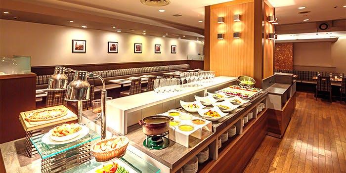 記念日におすすめのレストラン・シャングリ・ラ/東京虎ノ門東急REIホテルの写真1