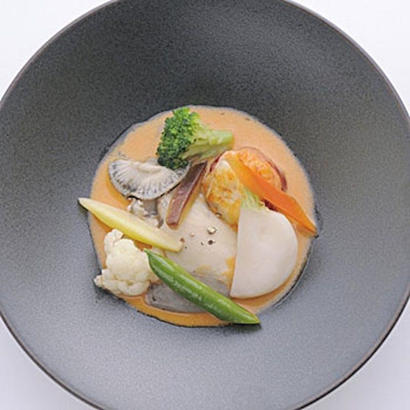 【ラ・ソーヌ(ランチ限定)】前菜、魚&肉料理、デザートなど全5品+メッセージプレート(記念日)
