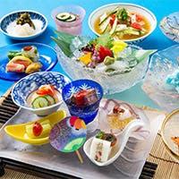 新鮮なネタが冴える江戸前寿司や揚げたてさくさくの天婦羅を