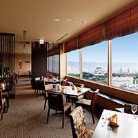 大阪の名所と共にお食事を。くつろぎの完全個室を人数に合わせてご用意いたします