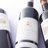 厳選した上質なワインやニューヨークスタイルのカクテル