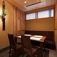 接待、会食などにお薦め、2名様~11名様まで利用可能ゆったりとした完全個室