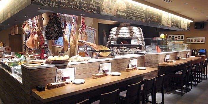 記念日におすすめのレストラン・SALVATORE CUOMO & BAR 池袋の写真1
