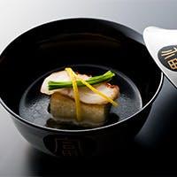 京都へのこだわりがつまったお料理とお酒の数々