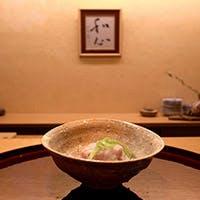 大人の街赤坂の、隠れ家的な和食小料理屋
