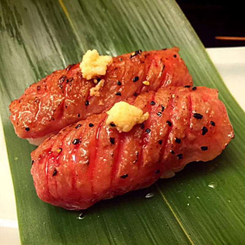 【黒毛和牛特選サーロインコース】炙り寿司、選べるメインなど全9品+乾杯ドリンク