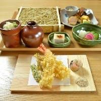 自家製二八蕎麦をから目のたれで仕上げた江戸前蕎麦 素朴で美味いつまみと豊富な地酒