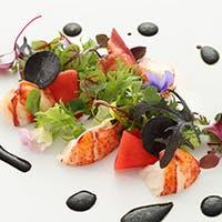 1953年の開店以来「花の木」は正統派のフランス料理にこだわり続けてきました