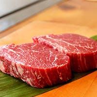 こだわりぬかれた神戸牛、明石直送の魚介を鉄板パフォーマンスと共に