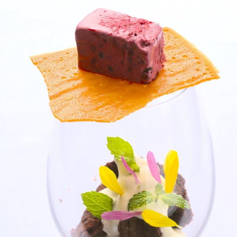 【記念日コース】「幸せのミモザケーキ」にメッセージを添えて  イタリアンフルコース+食前酒+花束