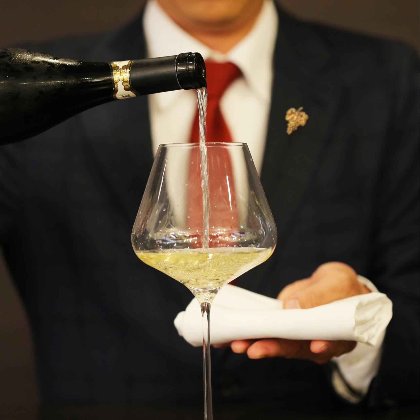 ソムリエ厳選の魅惑のワインリスト