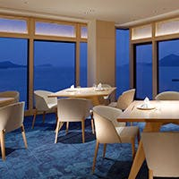 鳥羽の海に囲まれた美しい景観の和食レストラン