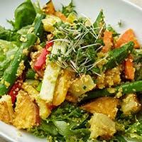 契約農家から届く、野菜ソムリエ厳選の旬野菜