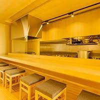 和の品格と洗練されたデザインが調和する大人の上質空間
