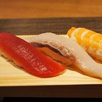 魚屋が手掛ける。築地直送の旬の魚を使った鮨に舌鼓。