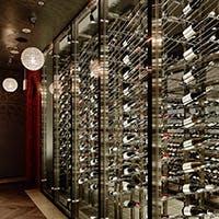 おいしくワインを飲むための大人の空間
