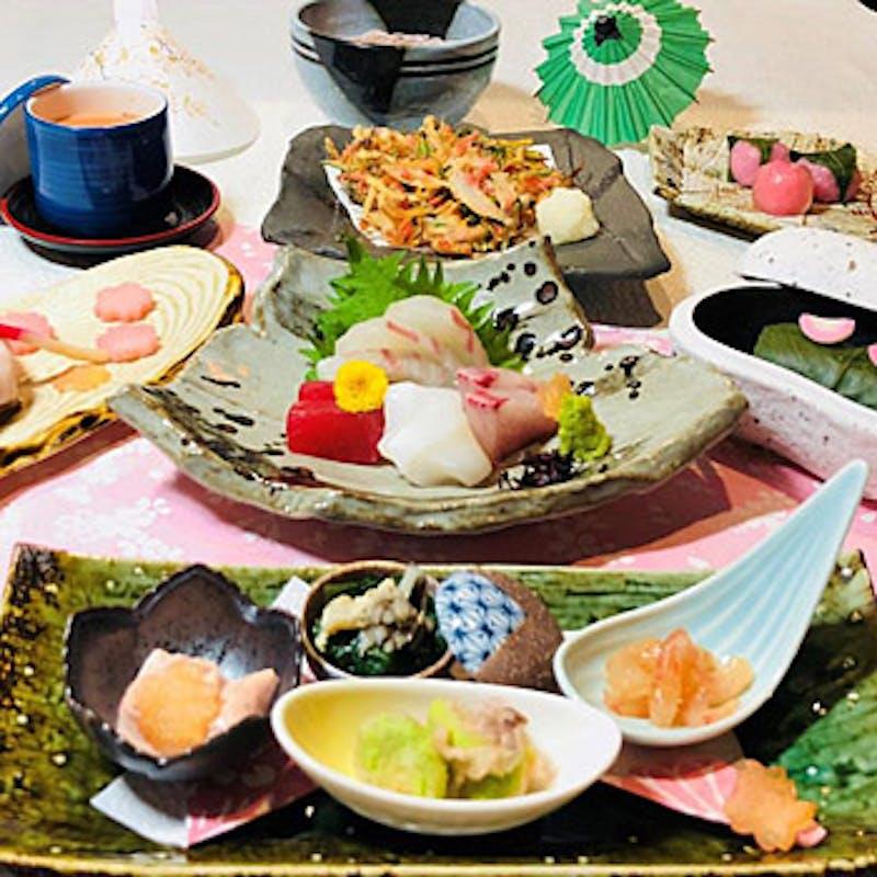 【華蔵会席~雪~】旬の食材を使用した前菜、椀、造り、焼物、揚物など全8品