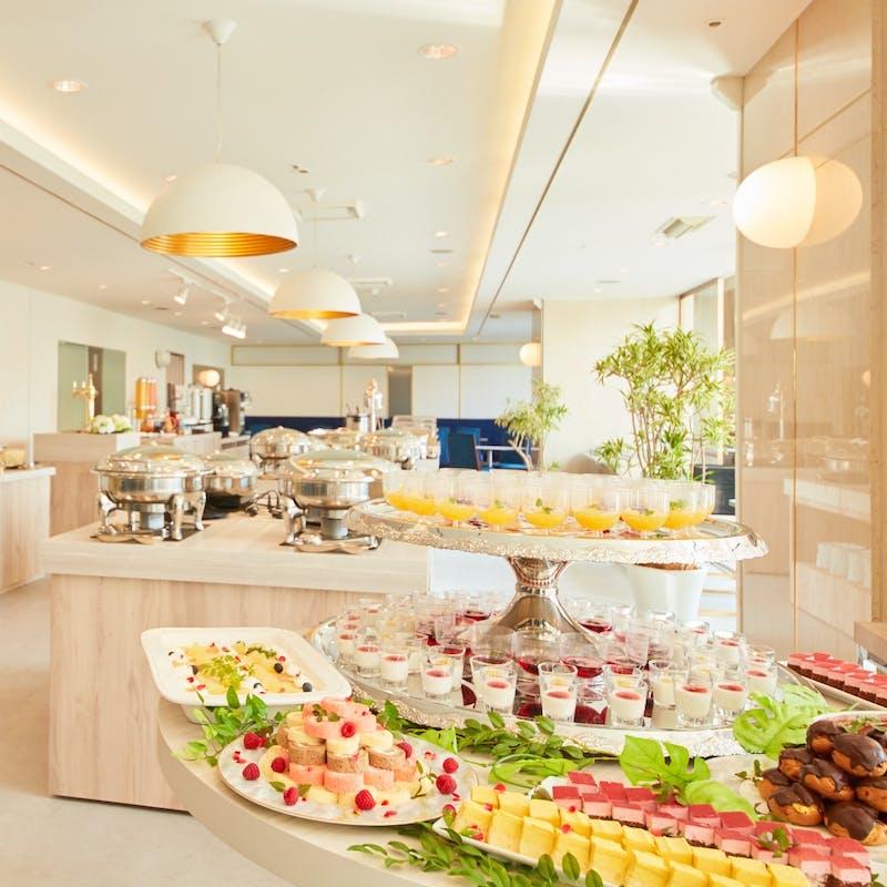 【朝食ブッフェ】  ~ランチ以上ディナー未満の約60種の朝食~