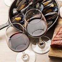 希少な銘柄も揃う日本酒や世界のワイン