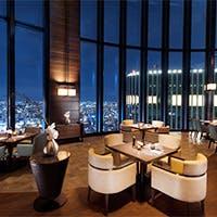最新スポット・コンラッド大阪の40階!アート作品が散りばめられた館内と地上200mからの眺望は必見
