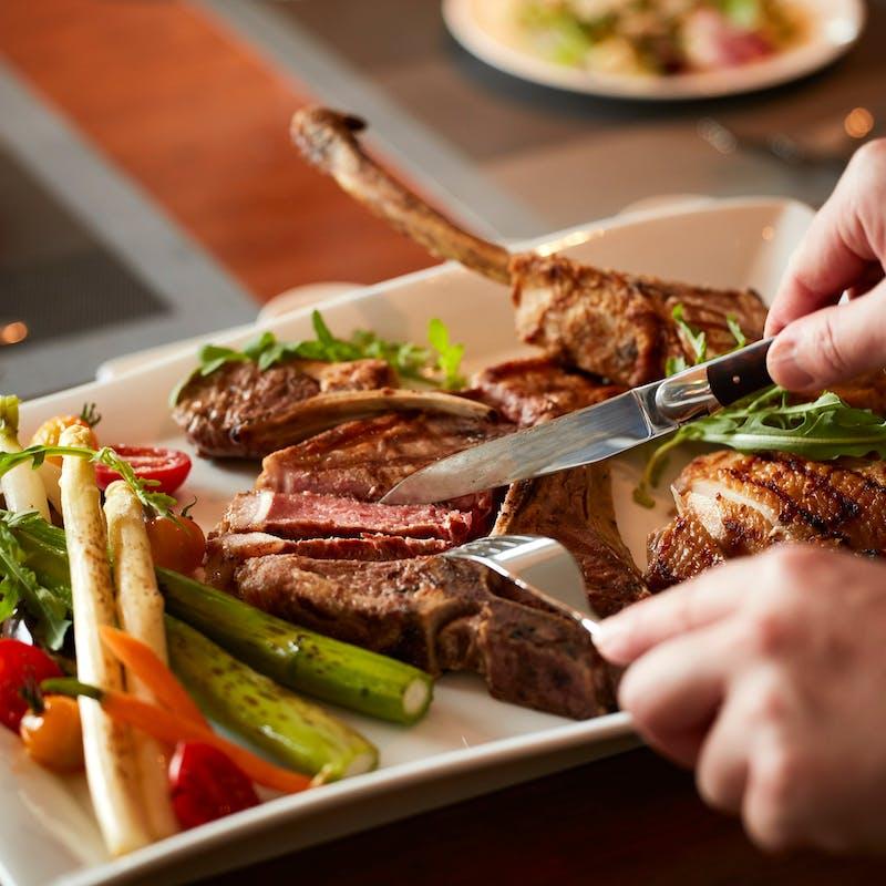 【牛!鶏!豚!を堪能!ミートプラッターセレクション】様々なお肉を愉しめる贅沢グリルプラン