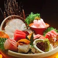 直送された新鮮な魚介類や、みずみずしい野菜