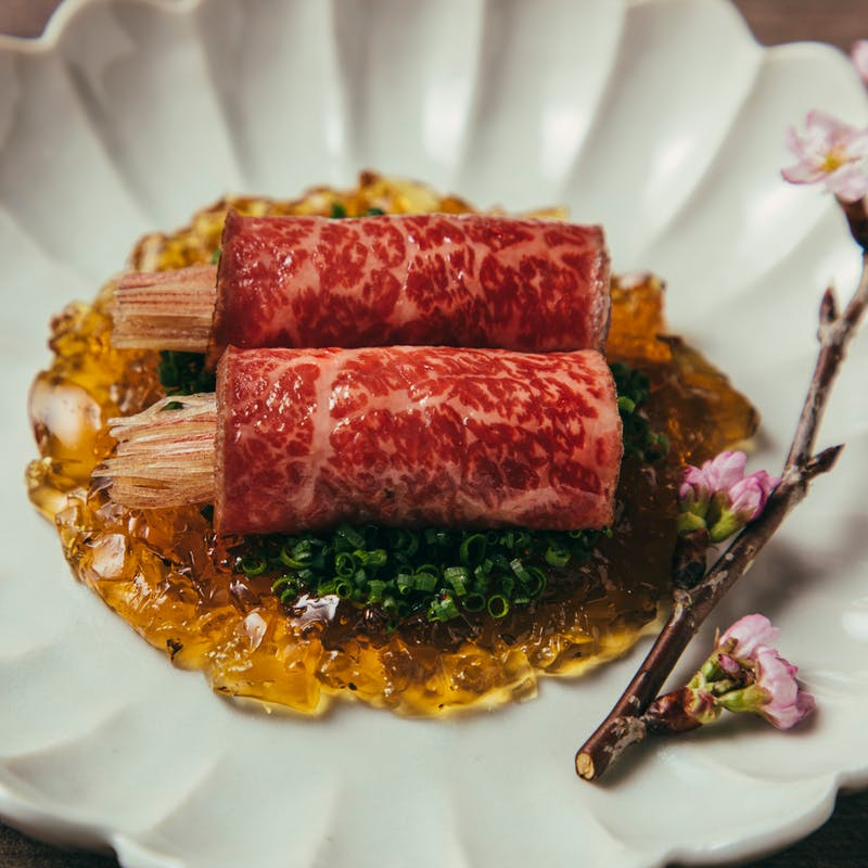 【Qコース】黒タンと筍のコムタンスープ、芹と和牛の山椒土鍋ご飯など 全14品(4月~)