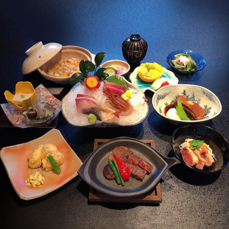 【朧(おぼろ)会席】4種類のお肉が味わえる全9品