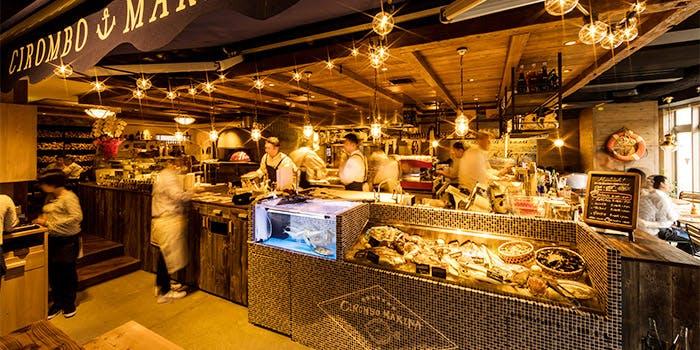 記念日におすすめのレストラン・魚イタリアンと薪きピザ チロンボ・マリーナ 上野店の写真1