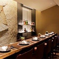 ワインとステーキを愉しむ大人の上質空間