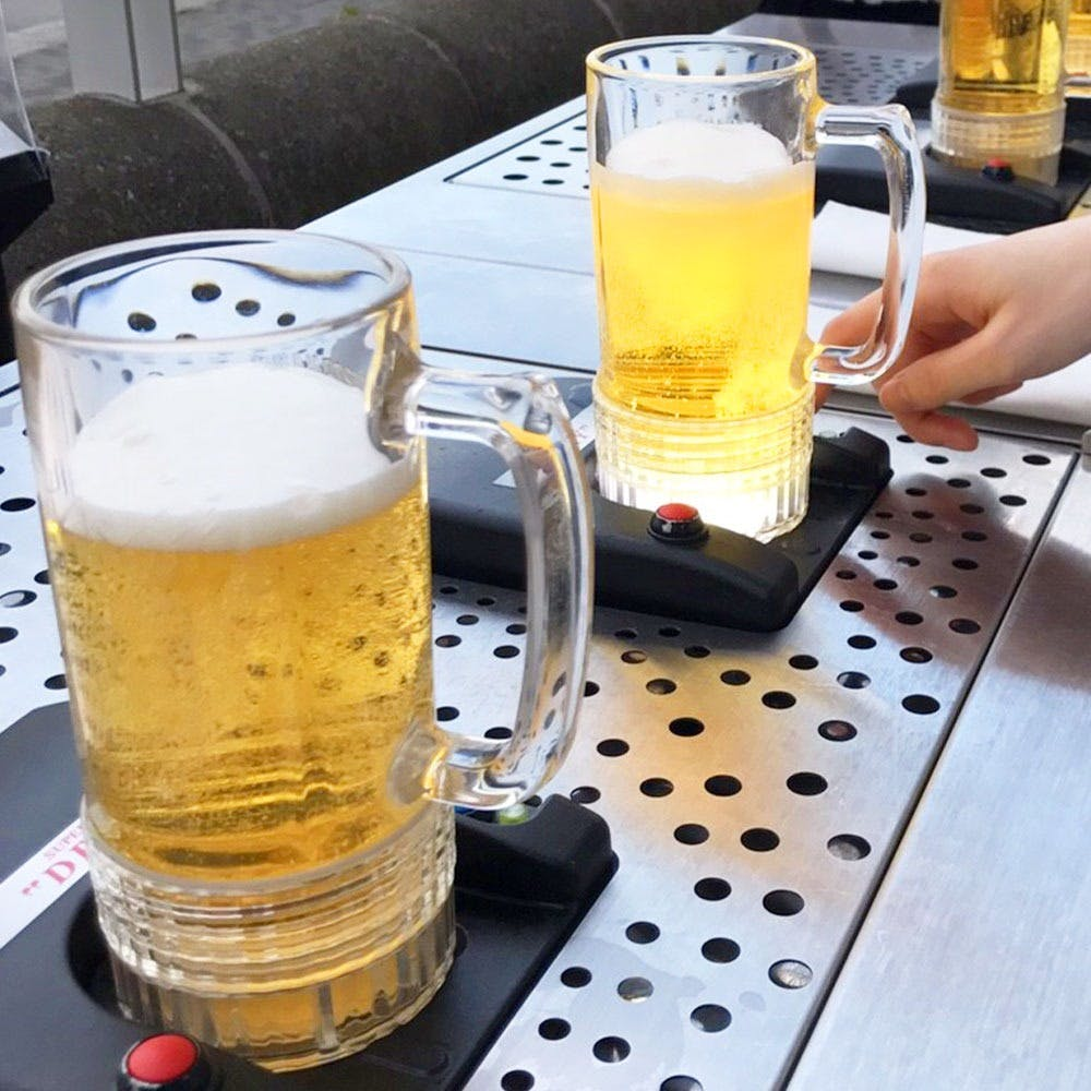 衛生的にも配慮された環境で、ホテルならではの本格料理と注ぎたての生ビールが楽しめる