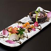 老舗有名料亭で腕を振るった経験を持つ料理人が心を込めて創る四季折々の日本料理