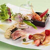 「フレンチジャポネ」が織りなす伝統と新感覚のお料理をお楽しみください