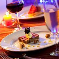 非日常的な空間と、美味しいお料理、丁寧な接客を目指しております