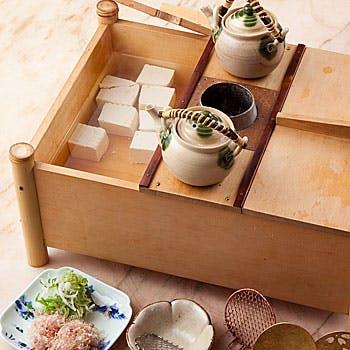 湯豆腐樽で食べるお豆腐