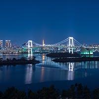 東京の街並みと東京湾を眺める贅沢なパノラマビュー